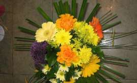 Букет - гербер, рози и хризантема