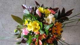 Букет хризантема,гербер, алстромерия