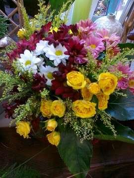 Букет - хризантема, спрей роза
