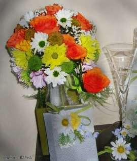 Булченски букет от рози и хризантема