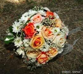 Булченски букет от рози и хризантеми