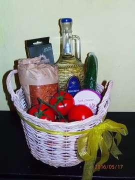 """Подаръчна кошница """"Лято"""""""