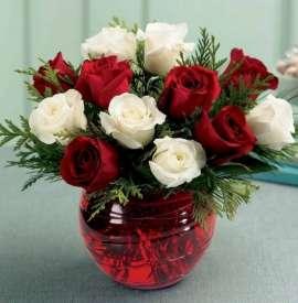 Аранжировка 13 рози