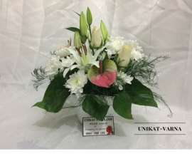 Аранжировка  - хризантема, роза, антуриум