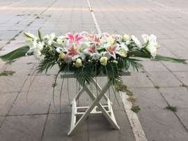 Аранжировка лилиум, рози хризантеми