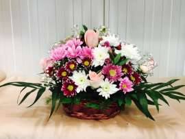 Chrysanthemum basket, alstromeria roses