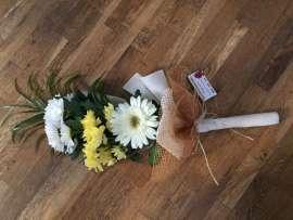 Букет- хризантеми, гербер