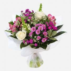 Букет от рози, хризантема, алстромерия